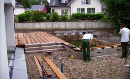 Bausteller eines Schwimmbecken